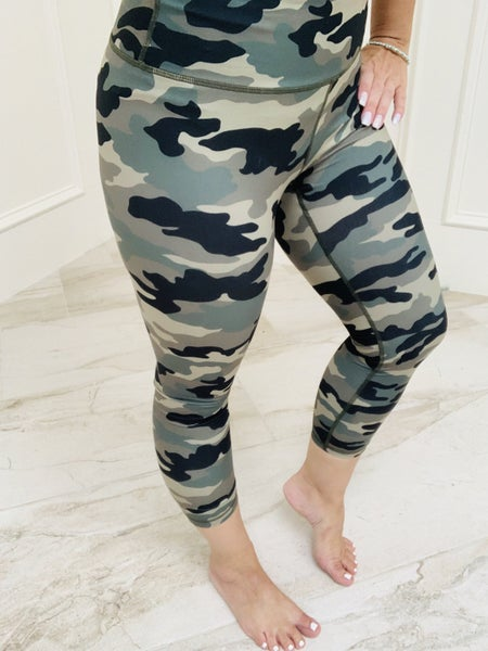 Camo Printed Capri Length Yoga Pants