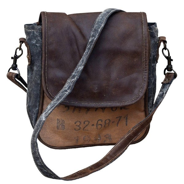 Caynor Shoulder Bag