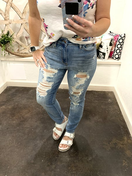 "Judy Blue ""Brittany"" Boyfriend Jean Distressed"