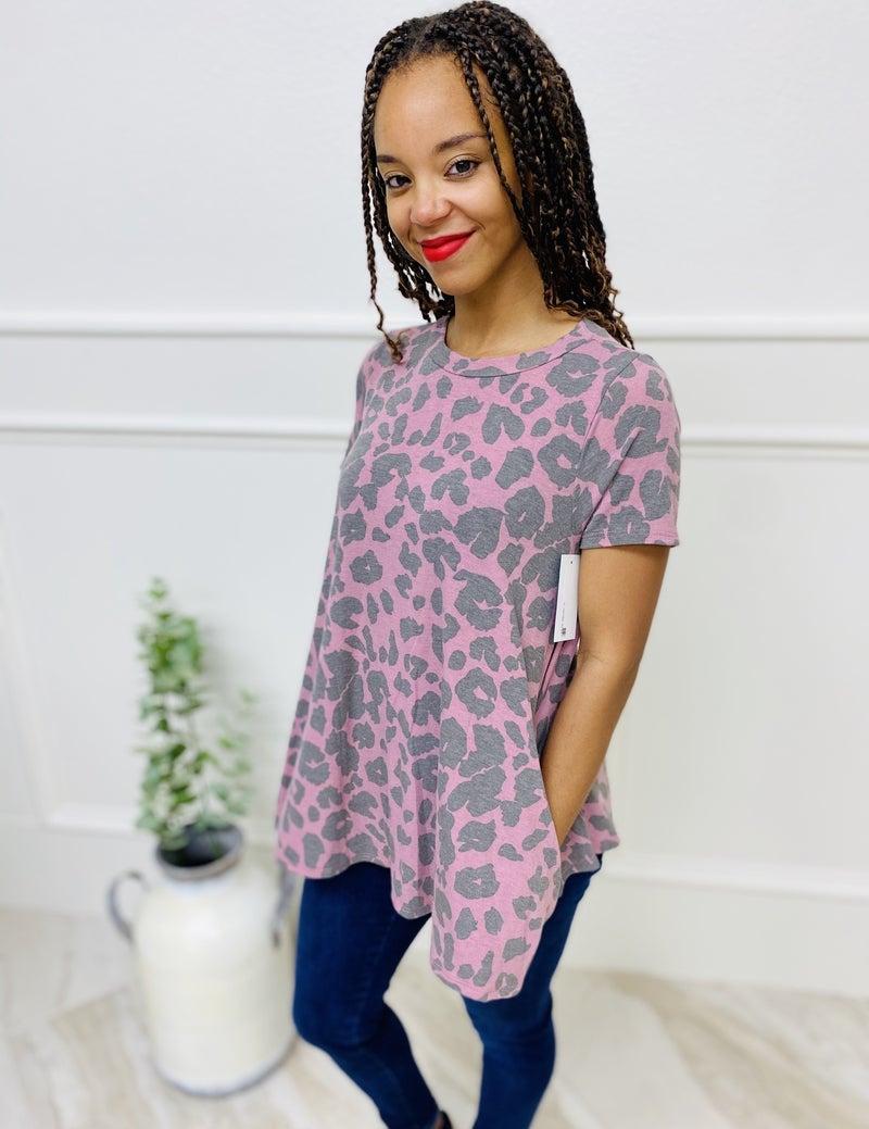 Short Sleeve Predator Print Tunic Length Top with Pockets