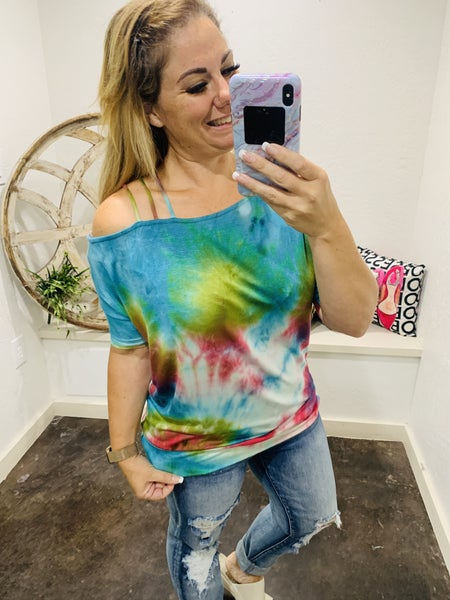 Short Sleeve Tie Dye Knit Top with Shoulder Detail