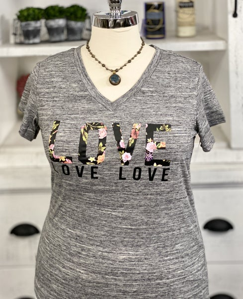 PLUS SIZE SHORT SLEEVES T-SHIRTS WITH LOVE PRINT