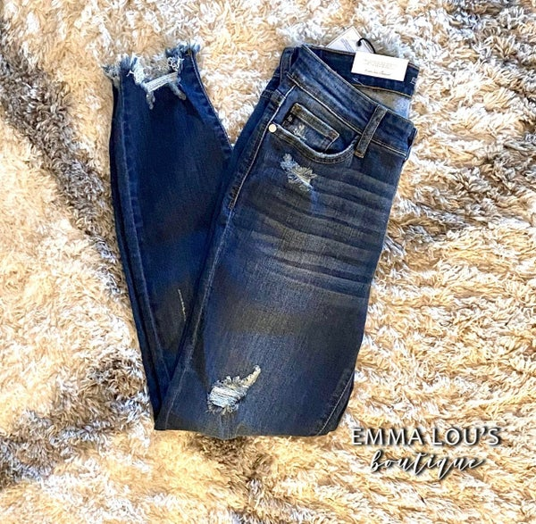 "Judy Blue ""Betty"" Jean Skinny Distressed"