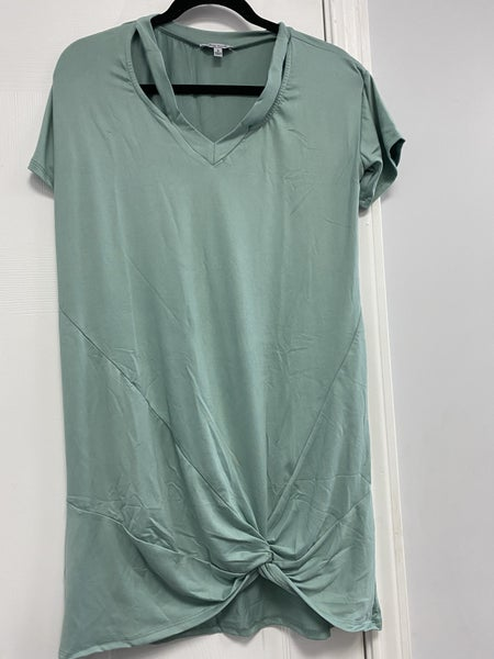 Short Sleeve V-Neck Cutout Detail Dress with Gathered Twist Hem