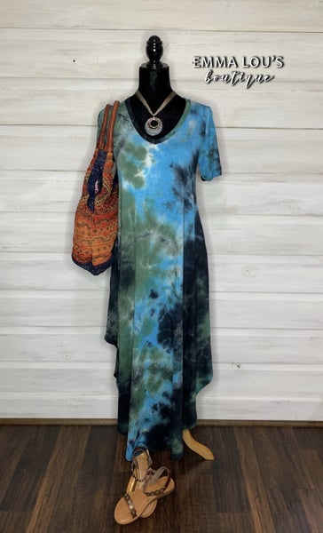 Short sleeve tie-dye maxi v-neck dress with folded sleeve and side pockets