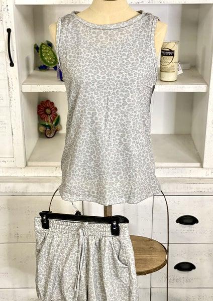 V Neck Sleeveless top with Shorts W/Pocket