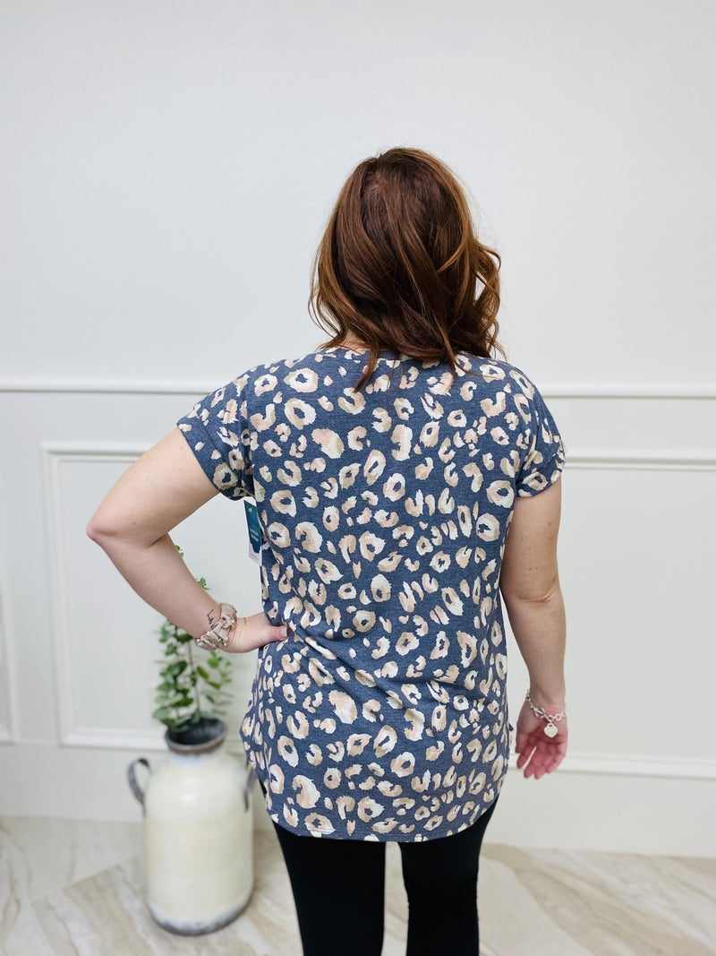 Short Sleeve Predator Print Top with Front Pocket