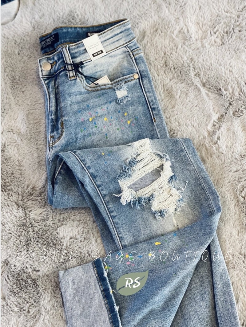 M12 Judy Blue *LIMITED EDITION* Rainbow Paint Splash Boyfriend Jeans