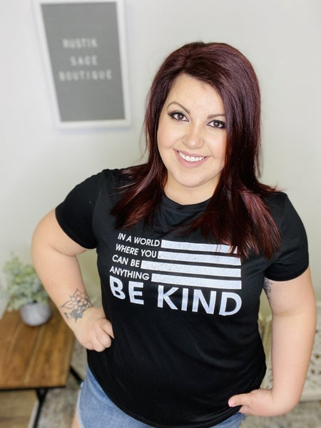 M59 Be Kind Graphic Top