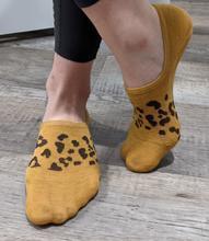 M18 Debbie Leopard No Show Socks (5 colors)