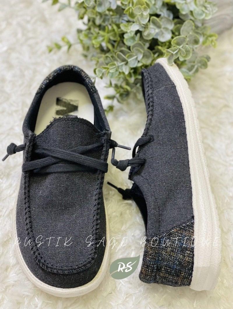 "AP39 Very G Mr. J Black ""David"" Sneakers"
