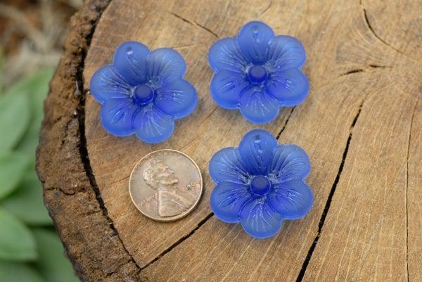 Cultured Sea Glass Flower Pendant, Royal Blue, 28mm