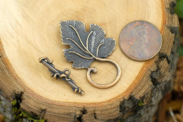 Leaf Toggle Clasp, Copper Plate, Leaf is 37x22mm
