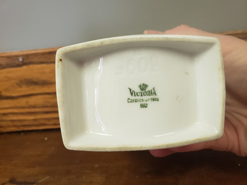 Vintage ceramic storage-stamped Victoria-no lid