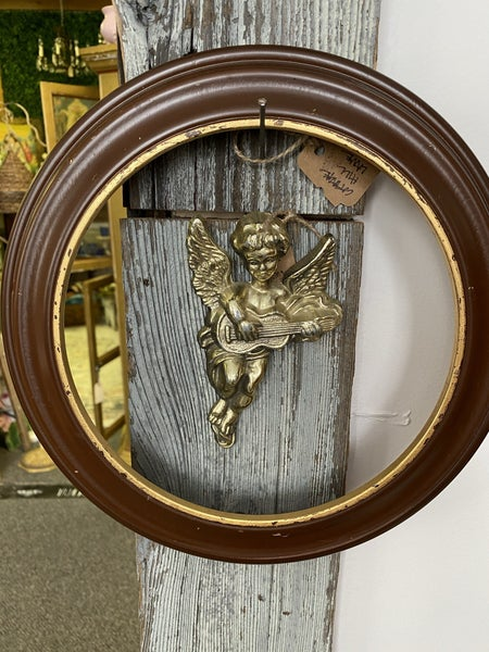 Round wood frame