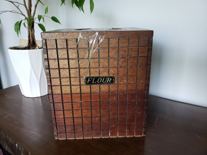 Wood Flour Container