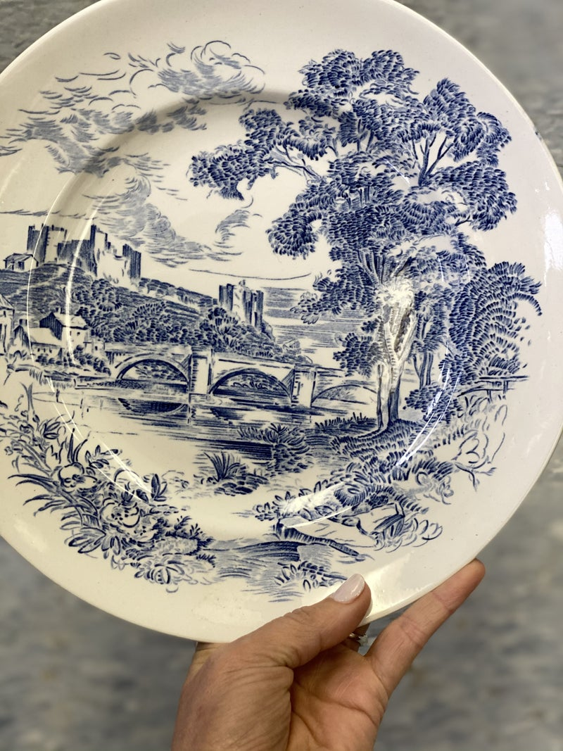 Wedgewood dinner plate - country side