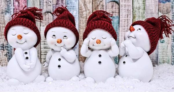 "7/17: Four Snowmen (Full drill - round diamonds) 10""x18"" (#499)"