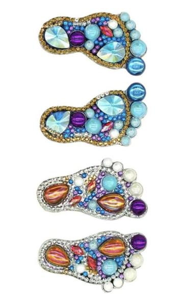 3/2: Feet Keychains (#899)