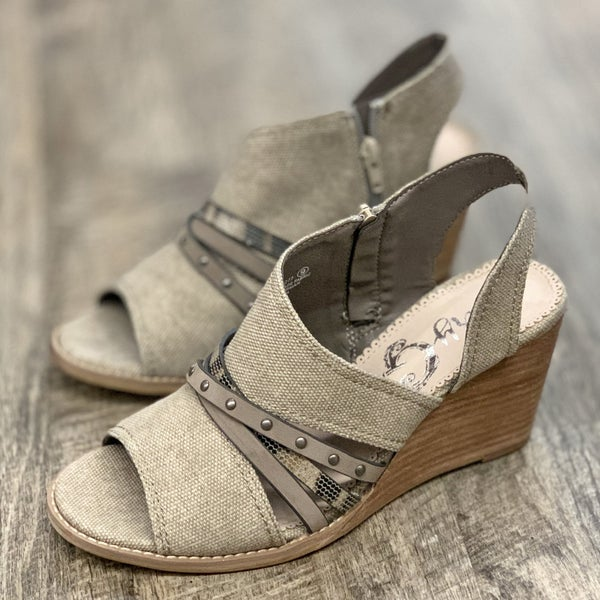 Very G Jamison Taupe Wedge