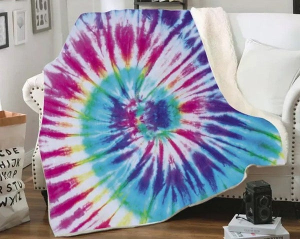 Deluxe Fuchsia Tie Dye Plush Blanket