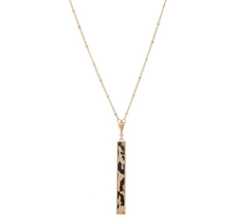 Long leopard print bar necklace