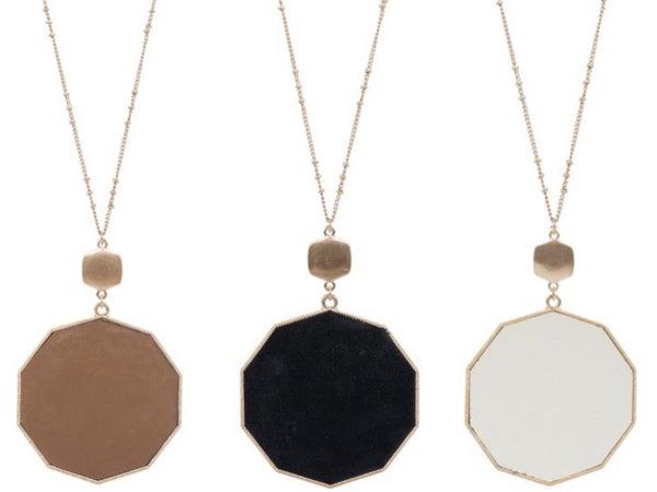 Basic staple necklace