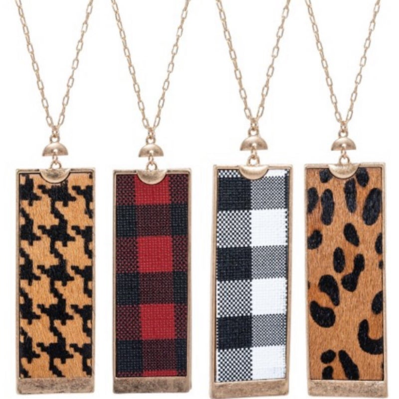 Pattern rectangle necklace