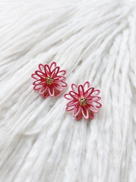 Lahaina Flower Studs - Pink