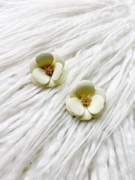 Hanalei Flower Stud - Cream