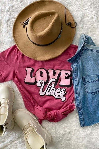 Love Vibes Tee