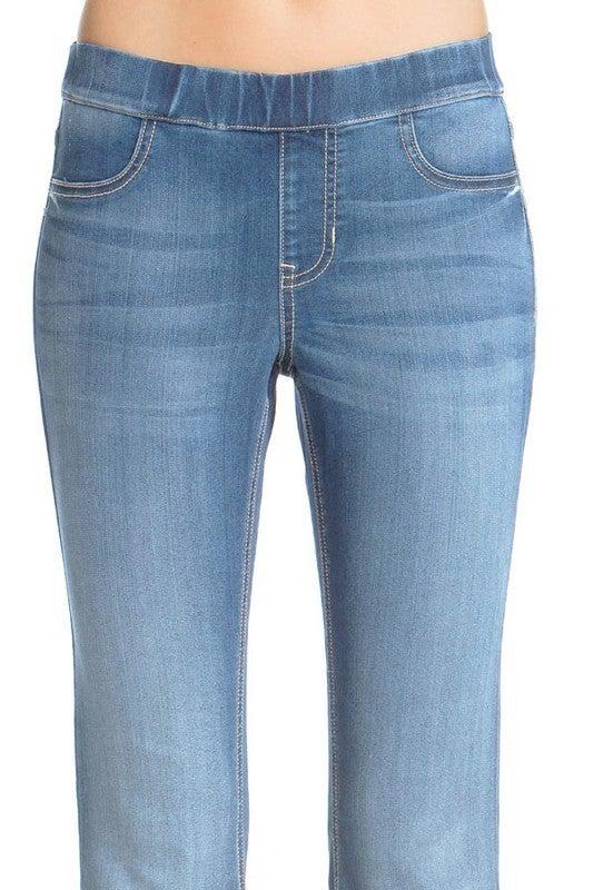 FINAL SALE - Blaine Flare Leg Pull-On Jeans - LIGHT