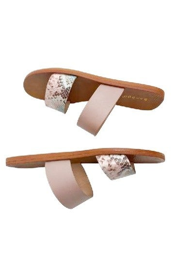 Island Oasis Sandals in Pink