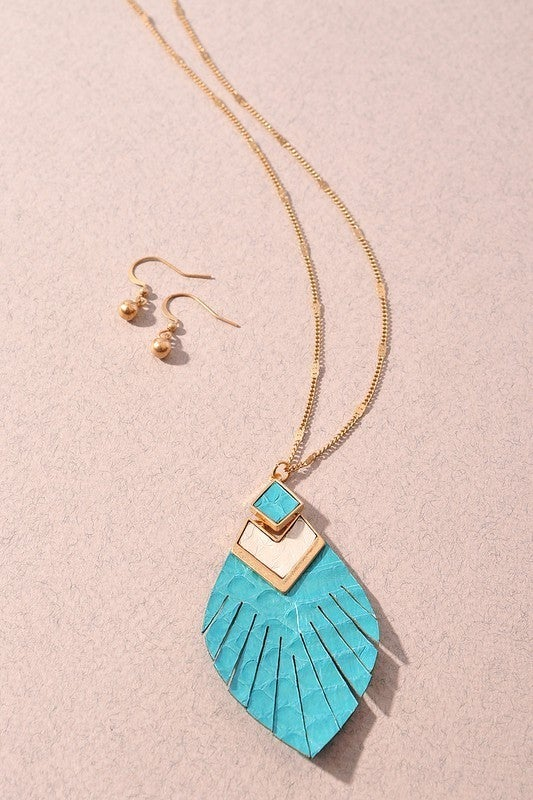 Free To Be Me Feather Leather Necklace-Turquoise