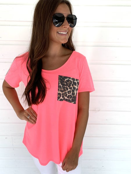 Abby Leopard Pocket Top- Pink