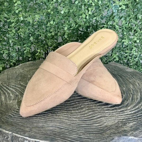 Leighton Pointed Flats