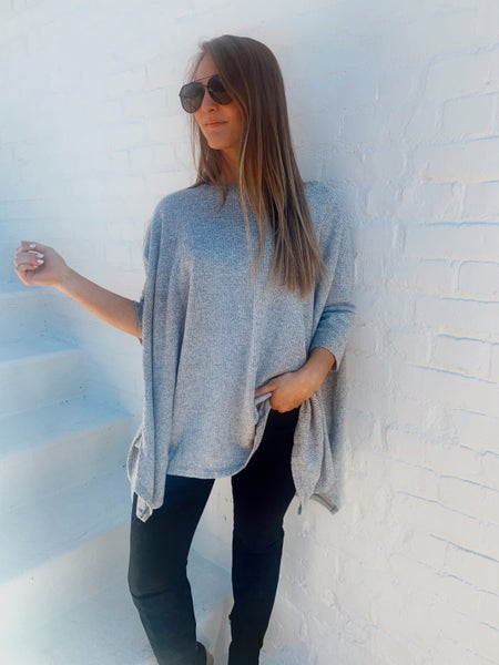 Feeling Free Knitted Top-Grey