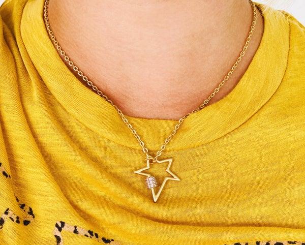 Leela Mini Star Gold Necklace
