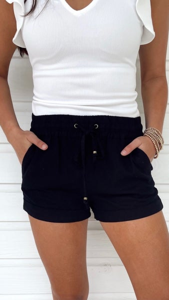 Daisy Cuffed Shorts- Black