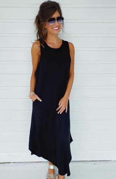Keep Me Close Maxi- Black