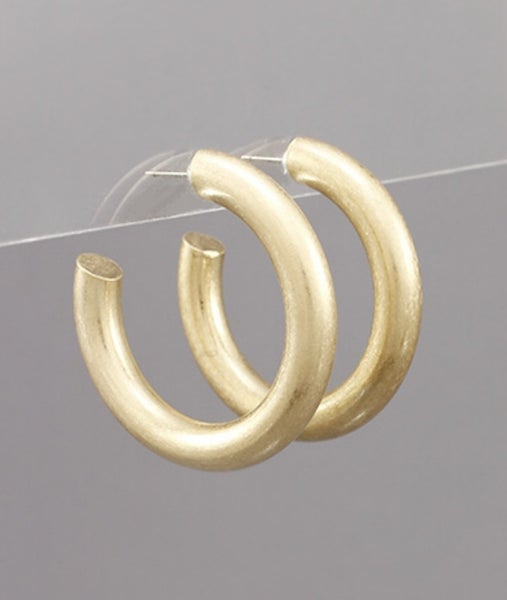 Maddie Matte Gold Hoop Earrings