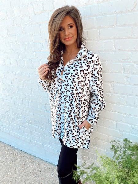 Snow Leopard Half Zip Up Pullover