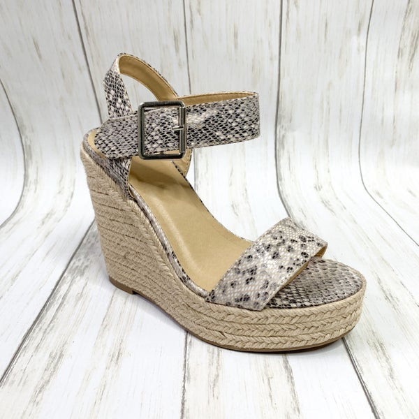 Walking In My Wedges Beige Python