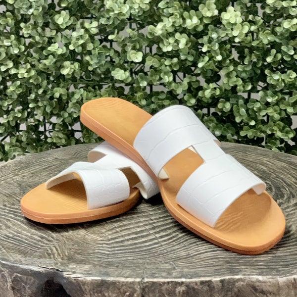 Peyton Sandals- White