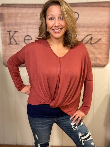 Coral Twist Front Top