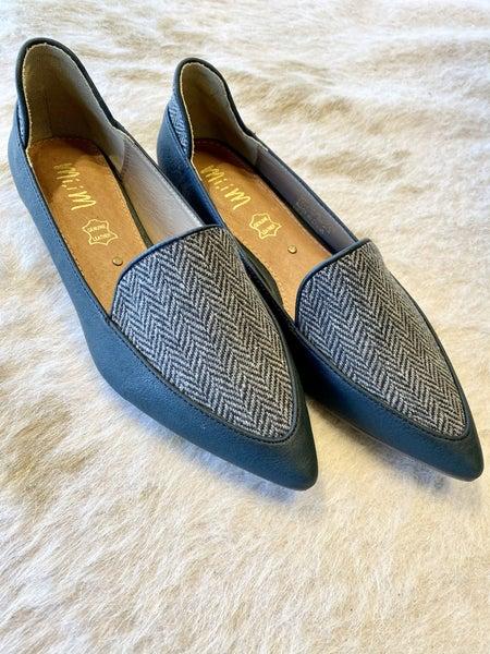 Printed Black Flat Shoe