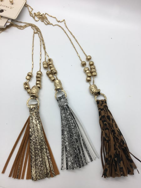 Printed Leather Necklace - 3 Colors