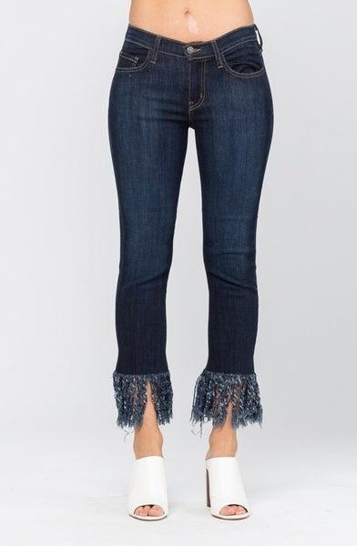Judy Blue - Curvy Frayed Hem Straight Crop Jeans