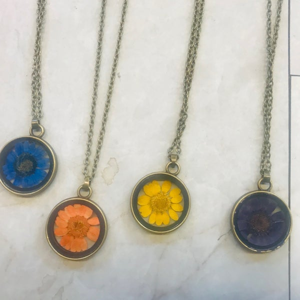 Dried Flower Necklace - 4 Colors