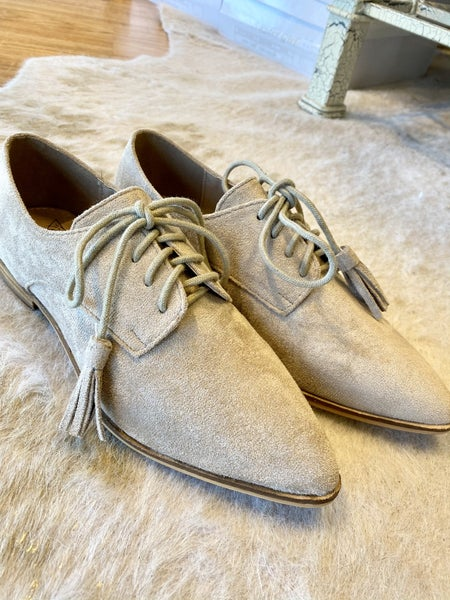 Tan Suede Tassle Shoe